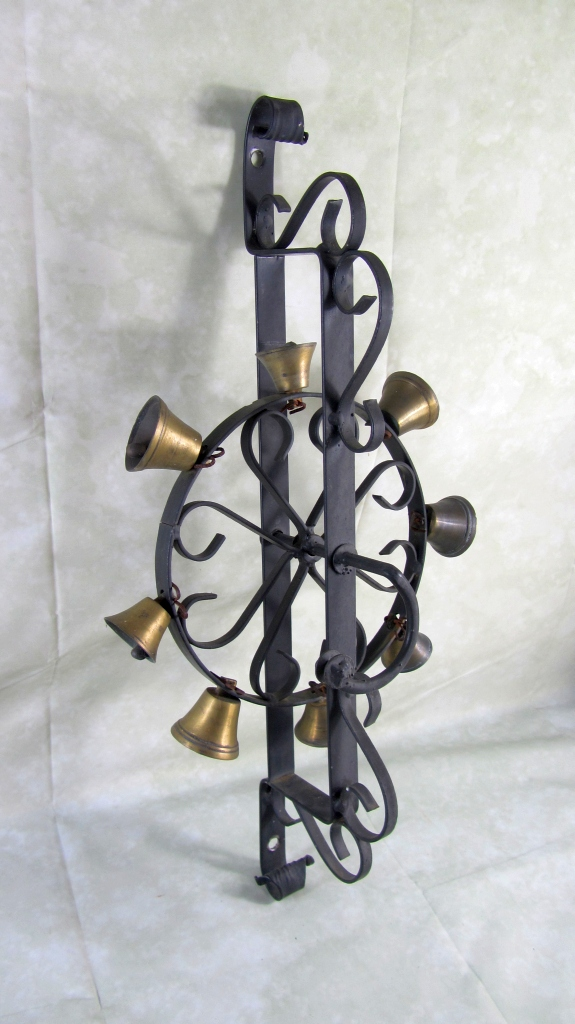 gro es glockenrad glocke haust r glockengel ut alte klingel ebay. Black Bedroom Furniture Sets. Home Design Ideas
